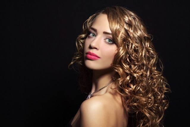 Mejor corte de pelo para cabello rizado